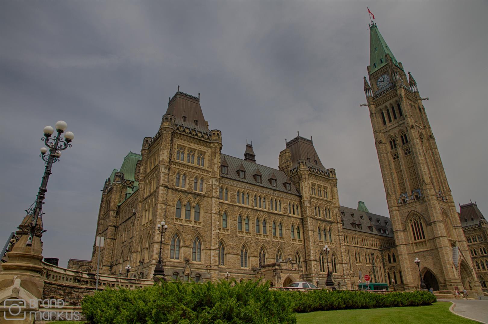 """Kanada - 45° 25' 31.8216"""" N, 75° 42' 0.828"""" W"""