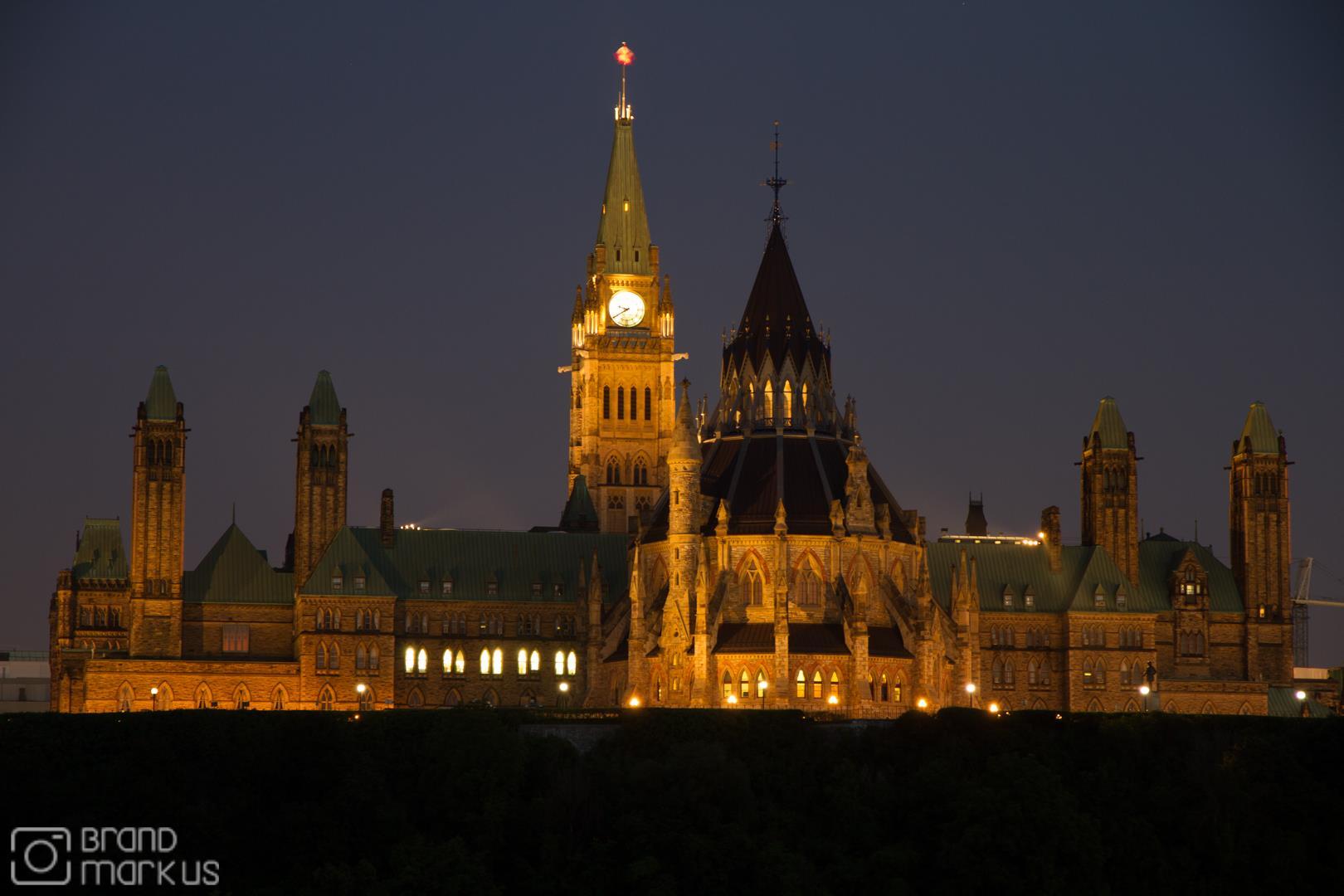 """Kanada - 45° 25' 42.7584"""" N, 75° 42' 3.204"""" W"""